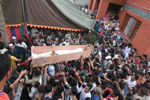 Tufail Mattoo's funeral.