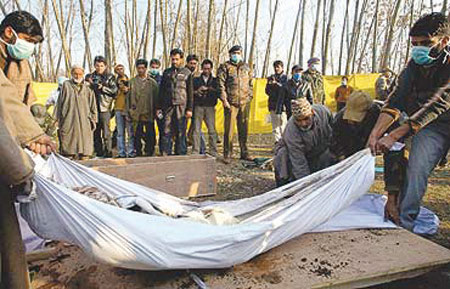 Bodies of slain men in Pathribal exhumed