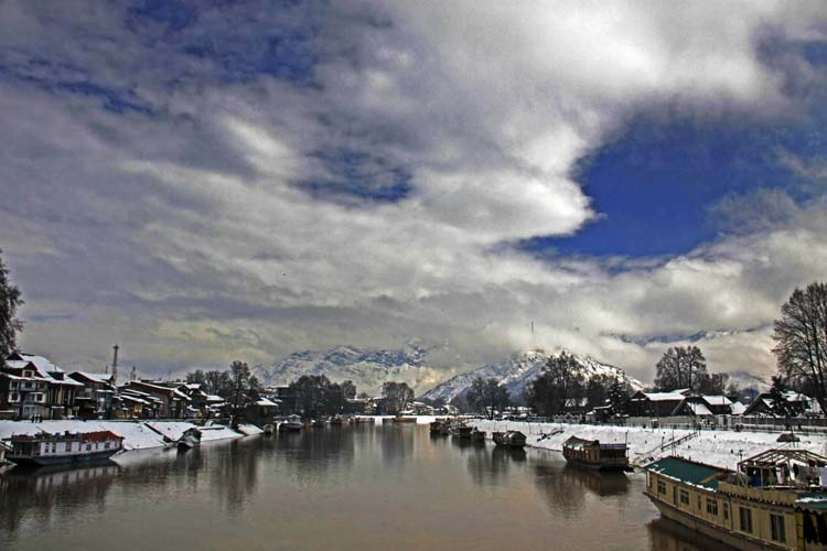 Vantage View: It was one of those scenes at display near Bund in Srinagar on Wednesday which rejuvenates weary souls