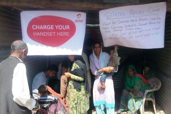 To help flood victims Airtel has setup free charging points at key locations across Srinagar.
