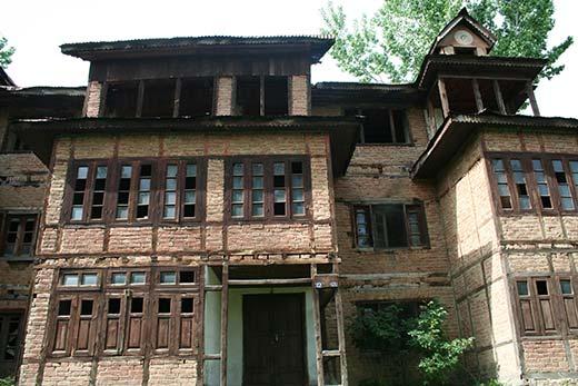 A tradional Kashmiri house.