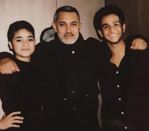 Zaira Wasim (L) with filmstar Aamir Khan