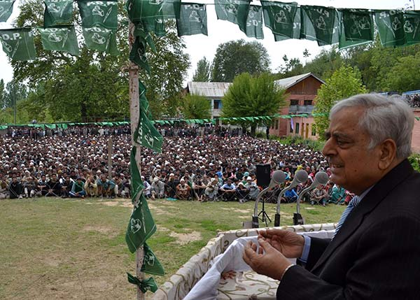 Ahead of 2014 J&K Assembly elections, Mufti Sayeed addressing a rally in valley.