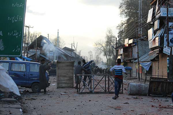 Violence engulfed North Kashmir parts when forces shot dead five civilians. KL Image: Mohammad Abu Bakar