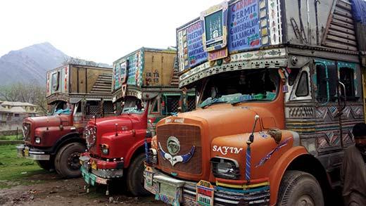 Windshield shuttered trucks in Khrew.