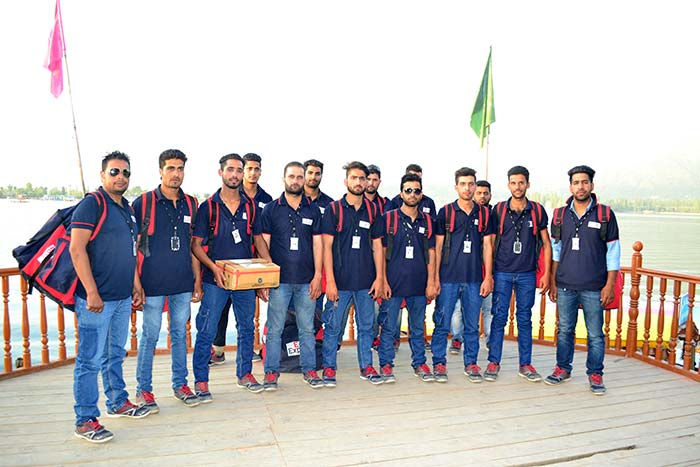 Courier-boys-Srinagar-Kashmir