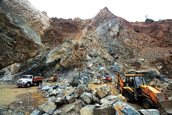 Athwajan-Stone-Quarry-photo-by-Umar-Asif-1
