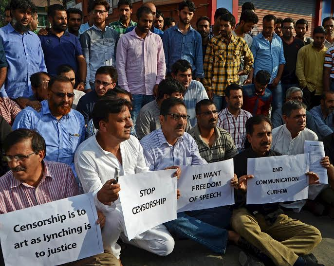 Life paralysed for 11th day in Kashmir, newspapers closed