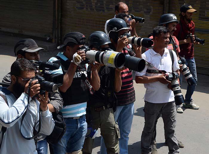 Photo-Journalists-taking-pics
