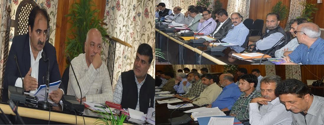 DC Srinagar, Dr Farooq Lone, chairing a meet of officers in Srinagar on August 30, 2016.