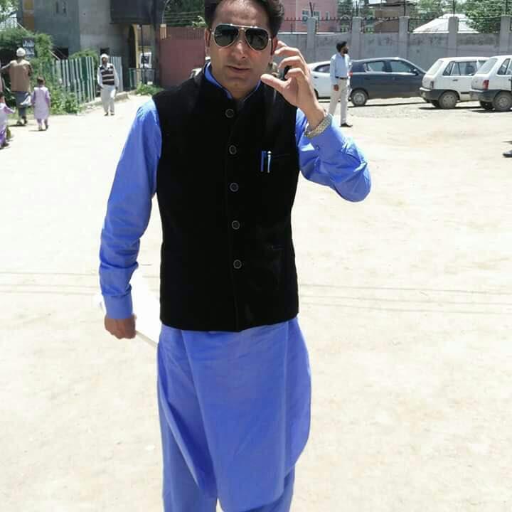 Former public prosecutor among 2 shot dead in Kashmir